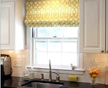 Установка рулонных штор на кухне цена